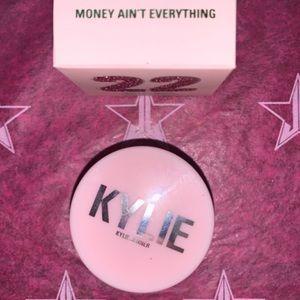 Kylie Jenner eyeshadow